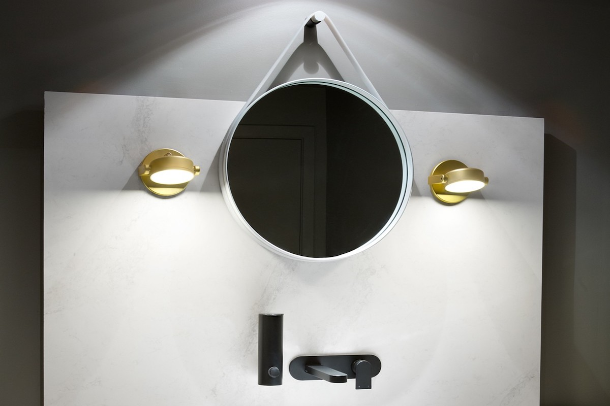 Monocle wall lamps