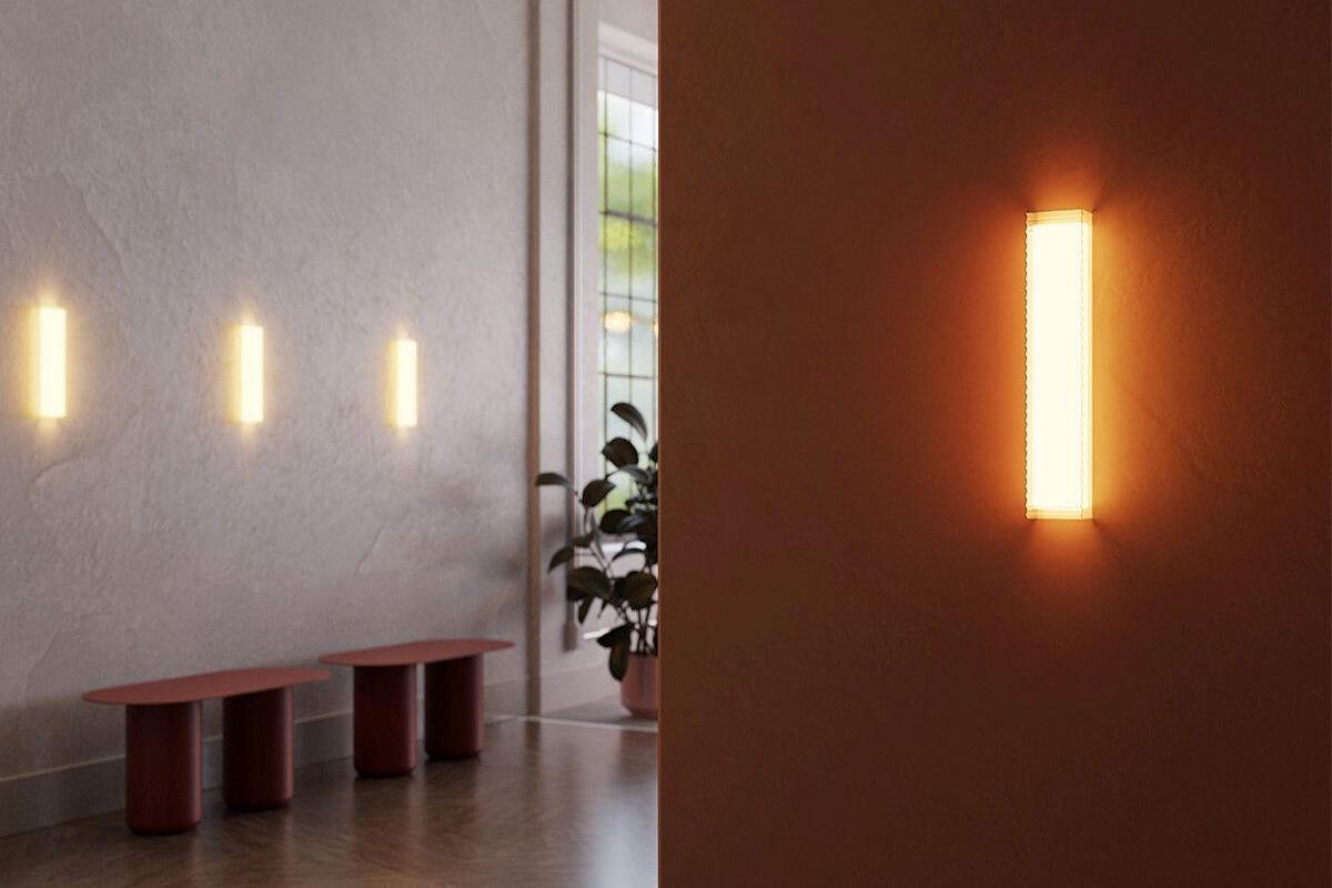Chip wall sconce